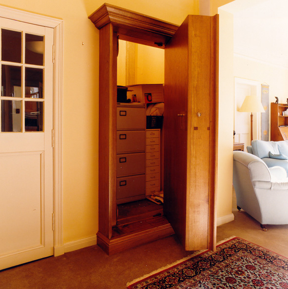 Как сделать дверь из шкафа в комнату 755